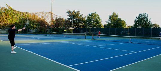 Les terrains de tennis sont ouverts
